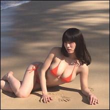 今野杏南、久々のビキニショットでGカップ乳を大サービス! 「相変わらずデカい」とファン歓喜