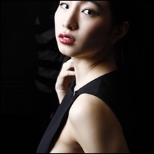日本一のおっぱい美女・中岡龍子、美しすぎる横乳ショット連発で男性ファンを魅了