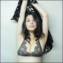 """橋本マナミ、全裸入浴ヌードが流出!? """"犯罪級""""の過激な写真集に「エロすぎる」とファンの期待高まる"""