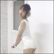 """元NMB48・高野祐衣、エロ可愛いショーツ姿で""""日本一美しいヒップ""""をちゃっかりアピール"""
