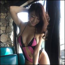 「今、愛人にしたいグラドルNo.1」森咲智美、初挑戦の袋とじグラビアで抜群の色気とGカップボディ披露