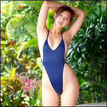 佐山彩香、スーパーハイレグ水着がエロすぎる! 最新イメージ作品でオトナの魅力放出中