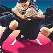 制服美少女が体を張ってガチ相撲! 相撲ガールズ・神部美咲に「可愛すぎる」と熱視線
