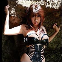 胸良し・尻良し・クビレ良し『グラビア番付三冠』の鈴木ふみ奈、ブログにセクシー画像連続アップ