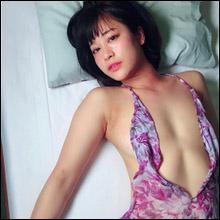 上気した頬が艶っぽい! 8頭身レースクイーン・河瀬杏美、露出の激しいドレス姿で最新イメージ作品をPR