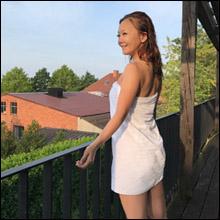 華原朋美、バスタオル一枚の湯上りショット! 変わらぬ美貌とスタイルに大反響