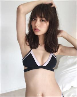 「めっちゃそそる身体」内田理央、美バスト&美脚を大胆露出したオフショットでファン悩殺の画像1