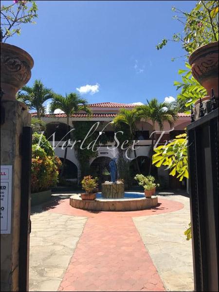 【世界一周エロ旅】欧米人の間で「若いコと手頃な値段でセックスできる国」として有名なドミニカ共和国のアダルトリゾートホテルの画像7