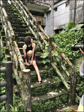 山崎真実、衝撃の全裸&初濡れ場で過去最高露出! 衝撃の新写真集にファンの期待高まるの画像1