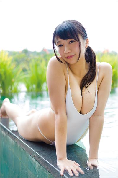 どこを切り取っても乳揺ればかり! 小柄なG乳アイドル・西堀智美、おっぱいフェチ垂涎のイメージDVDの画像2