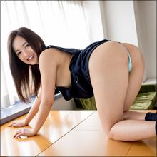 元ジュニアアイドルの山中真由美、生徒を誘惑するセクシー女教師に!