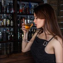 【エロ体験談】ドスケベ女とサシ飲み