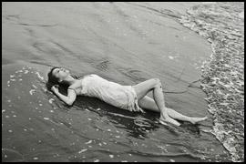 香里奈、ビショ濡れ先行カットにファン歓喜! 7年ぶり写真集で完全復活なるかの画像1