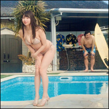 吉田早希、グラビアの「水しぶき職人」の動画公開で話題に! むっちりボディにも熱視線で人気上昇の気配