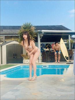 吉田早希、グラビアの「水しぶき職人」の動画公開で話題に! むっちりボディにも熱視線で人気上昇の気配の画像1