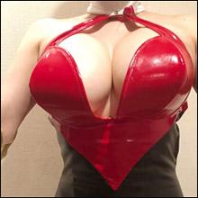 叶美香、衝撃の『キューティーハニー』コス! Qカップバストでアニメキャラのボディを完全再現