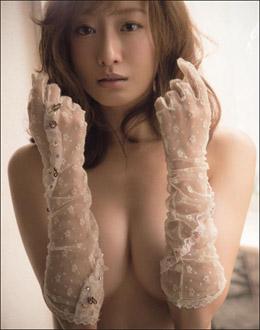 松本まりか、衝撃の腕ブラヌードに大反響! あざとエロい悪女役で人気再燃の画像1