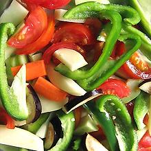 異性にモテたきゃ、野菜を食べろ!?