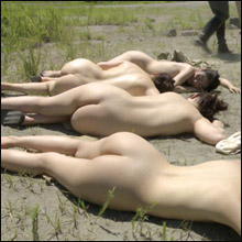 女子捕虜収容地で性奴隷と化す女たち! ヘンリー塚本監督『奴隷制度復活 弄ばれる美しき女体』