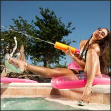 夏だ、風俗だ、ホテヘルで童心に返って水鉄砲プレイだ!!