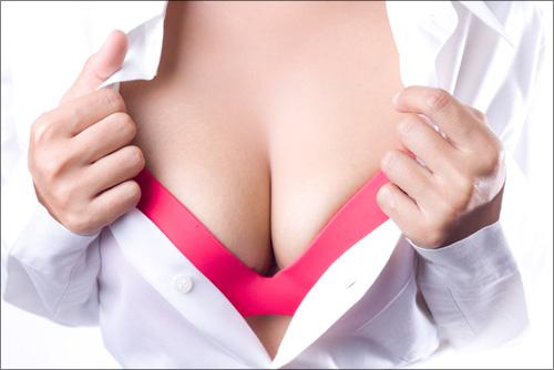 【エロ体験談】巨乳マネージャーの突然すぎる誘惑の画像1