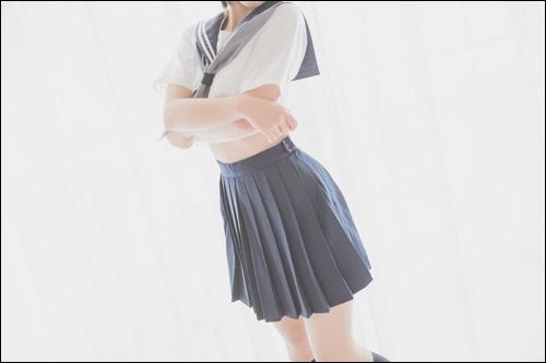 【エロ体験談】セフレの趣味がJKコスだと判明! さっそくラブホで着衣ファックの画像1