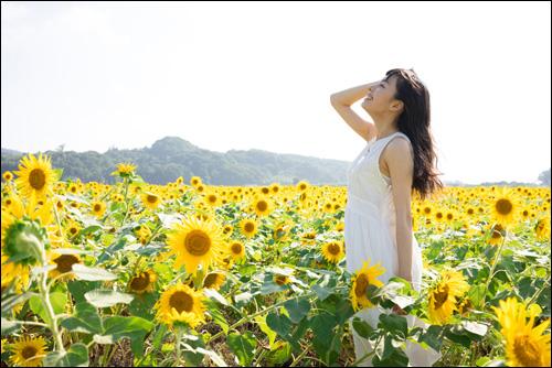 【エロ体験談】お花畑が似合う美少女がエッチ大好きとか最高すぎる!の画像1