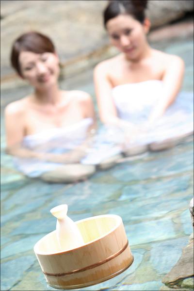 【エロ体験談】女子大生と温泉旅館で濃厚エッチの画像1