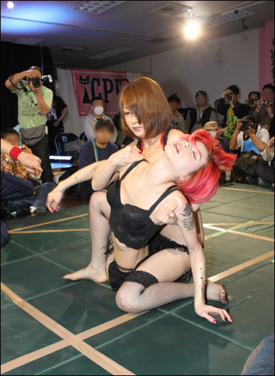catfight2days201603281a.jpg