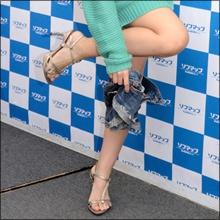 """ブログの脱衣企画が大人気! """"脱ぐドル""""原田真緒のフェチ心をくすぐる色気!!"""