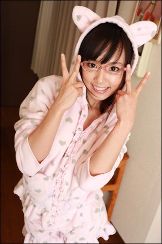 idol_av0315_03.jpg