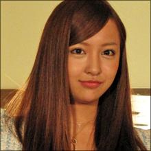 板野友美、CM契約数トップなのに「ほとんど見かけない」謎