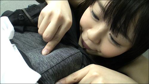 kobayashiav0510_03.jpg