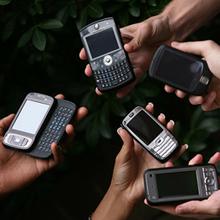中出ししても安心!? ケータイで避妊できる時代 ~新機能付き携帯電話~