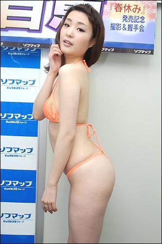 momoe0529_02.jpg
