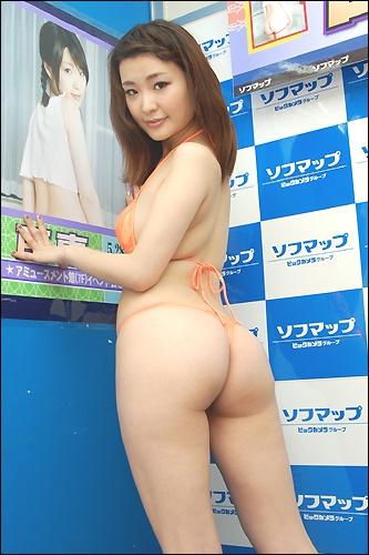 momoe0529_04.jpg