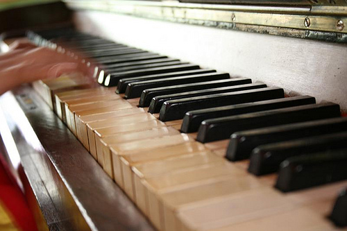 pianist0517fla.jpg