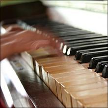 【世界のアダルトパーソン列伝】ピアノ曲で人気の大作曲家は外道鬼畜の女たらしだった