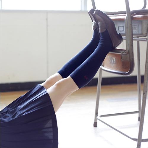 schoolgirl2_01.jpg