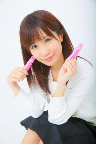 AV女優・小島みなみ、ビーチク専用ローターで悶絶!? 乳首を開発してエッチを満喫しよう!の画像1