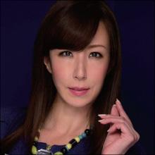 発射のたびに囁く一言が神級! 40歳の澤村レイコが男優汁で穢されまくる!!