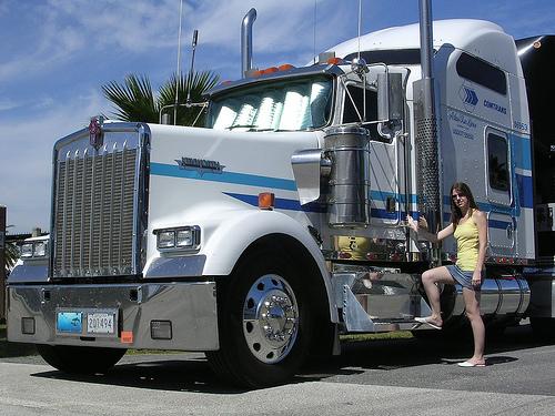 truckgirl0717fla.jpg