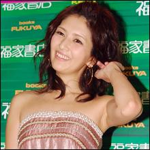 30歳節目のフルヌードを披露した女優・吉井怜、写真集発売イベントで結婚観について語る